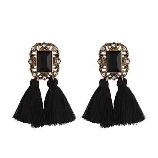 Vintage rhinestone engraved tassel earring - black