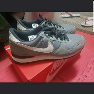 Nike air size 10.5 us
