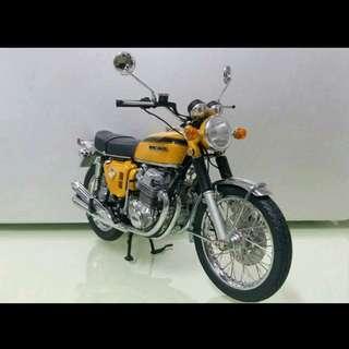 1:12 Honda CB 750 1968 (Candy Gold) 金屬模型電單車 (請自出價)