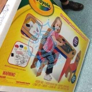 全新Crayola®木製創意活動桌椅套裝