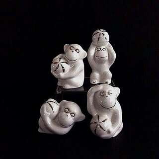 Vintage White Glazed Porcelain 🐵 height 5-7cm perfect 4pcs $20