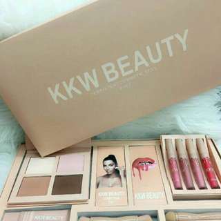 KKW Beauty Exclusive Set