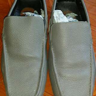 Grey shoes size 9-10 for only 299