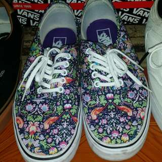 Vans liberty bird size 10.5 for only 999p orig price at 3800p