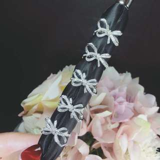 18K白金 蝴蝶結造型鑽飾戒指