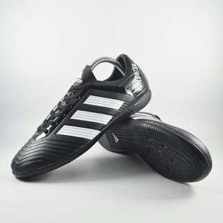 Sepatu futsal adidas predator list putih