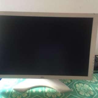 """Fujitsu monitor 19"""""""