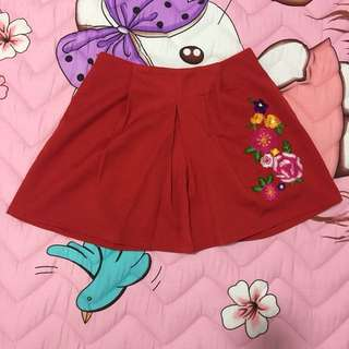 🔴🔴🔴[BNWT] Embroidered Pleated Skirt
