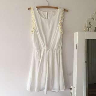 White daisy dress