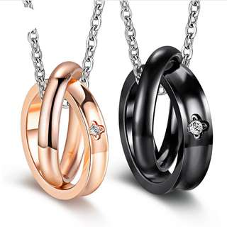 [SALES]👫BLACK|ROSE GOLD FOUR LEAF CLOVER DESIGN CUBIC ZIRCONIA WEDDING RING NECKLACE STAINLESS STEEL COUPLE NECKLACE COUPLE ENGAGEMENT GIFT ANNIVERSARY GIFT| VALENTINE'S GIFT👫