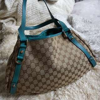 Authentic Gucci Abbey GG Canvas Medium Shoulder Bag