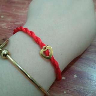 The Infinite Knot Bracelet with Heart Charm