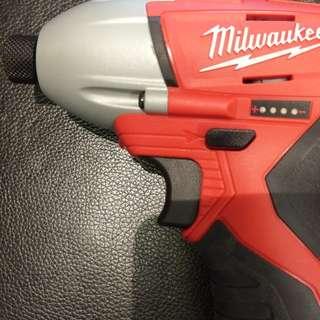 Milwaukee 2450 12v 連原廠工具袋 淨機身