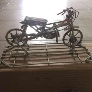 Miniatur Motor Dari Koran