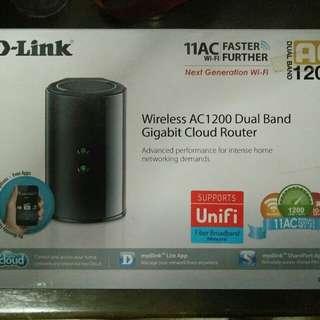D-Link DIR-850L Wirelss AC1200 Dual Band Gigabit Wi-Fi Router