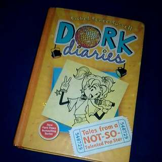 Dork Diaries: Tales from a not so talented pop star