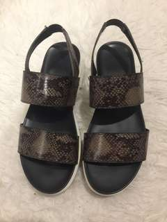 GU by Uniqlo python sandals like fitflop