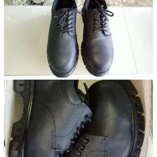 Safety shoes unisex size 40