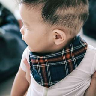 Premium baby drool bib bandana 2 piece set . Sakizome double gauze tartan plaid baby blue and gingham x muji organic ultra thin towel