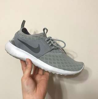 Nike Grey Juvenate Size 6.5