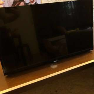"Philips 5100 series 32"" HD LED TV with digital crystal clear"
