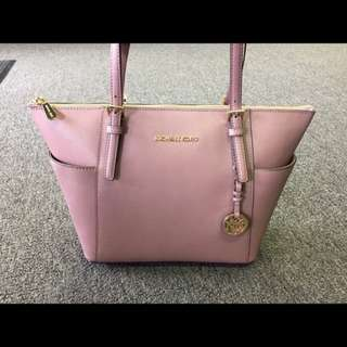 Michael Kors, the Jet Set tote in Dusty Rose