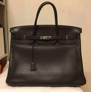 Hermès Birkin size 40 in Togo dark brown leather with silver hardware. Year 2009