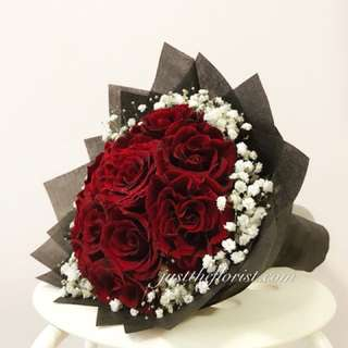 Red roses with delivery
