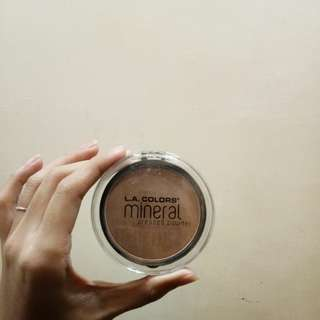 L. A. Colors Mineral Pressed Powder - Classic Tan