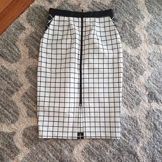 Tokito front zip skirt
