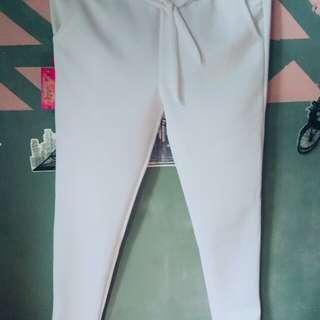 Celana putih bahan tebal