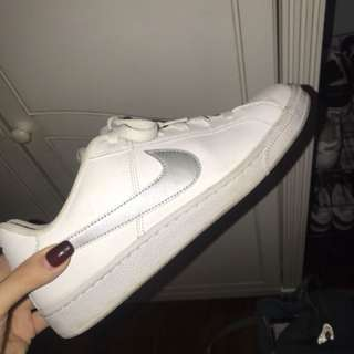 White Nike Sneakers Women's Size US 9