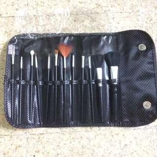 Brush makeup komplit isi 12