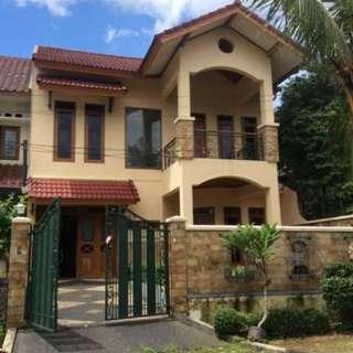 DISEWAKAN Rumah Mewah, 2 Lantai, Furnished di VILLA CINERE MAS