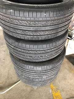 Tyre 215/55/17 , 235/45/18 , 235/55/19
