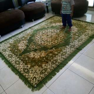 Karpet permadani warna hijau