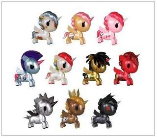 NOT FOR SALE - Looking for tokidoki unicorno metallico chasers from series 1