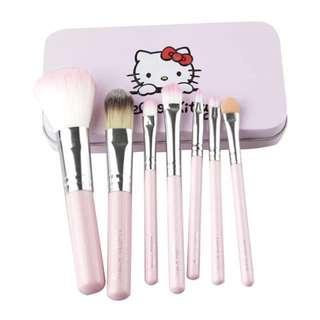 Brand New Hello Kitty MakeUp Brush Set