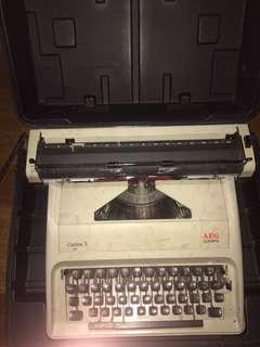 Vintage typewriter Carina 3 AEG olympia