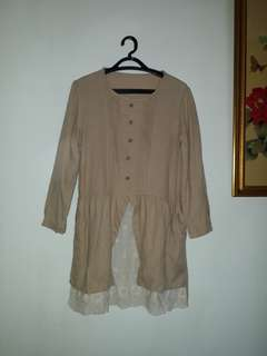 Dress blouse creme fit M to L