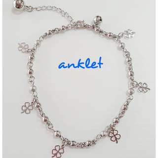 Fashionable four leaves clover & bell anklet.