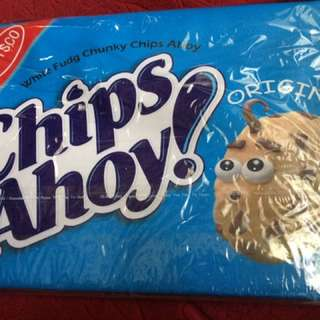 Chips ahoy print pouch