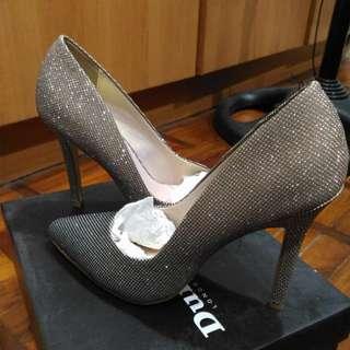REPRICED 'Dune' ombre 3-inch heels