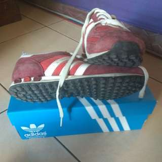 Adidas la trainer red white