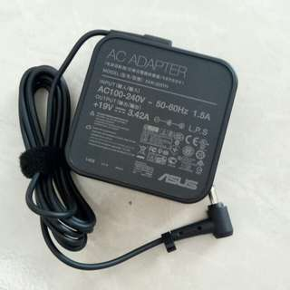 Adaptor ASUS 19V 3.42A square shape