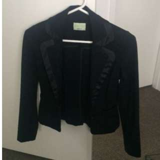 Review classic black blazer with satin on lapels 6