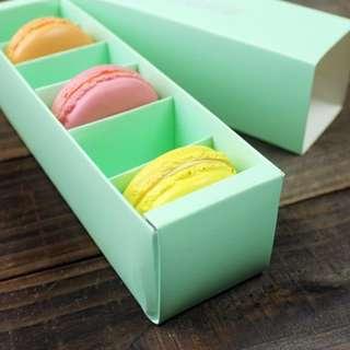 Macaron box (10 pcs)