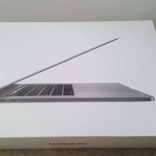 "Latest Model - MacBook Air/TB 15"" 512GB"