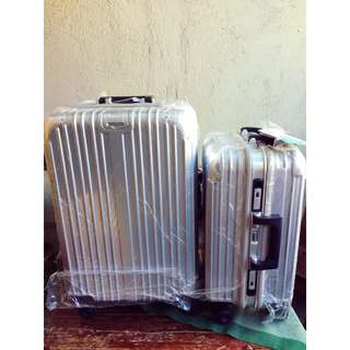 Medium Luggage ( Stainless steel )