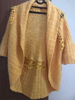 Outer bahan wol warna kuning